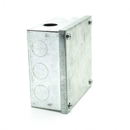 Adaptable junction box